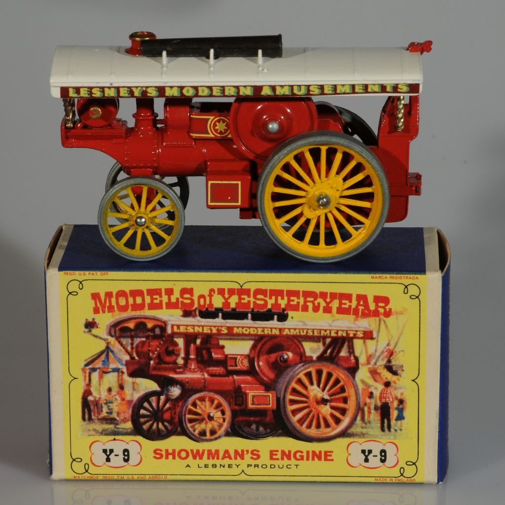 Lesney Matchbox Yesteryear Y9 Fowler Showman's Engine, Red. MIB