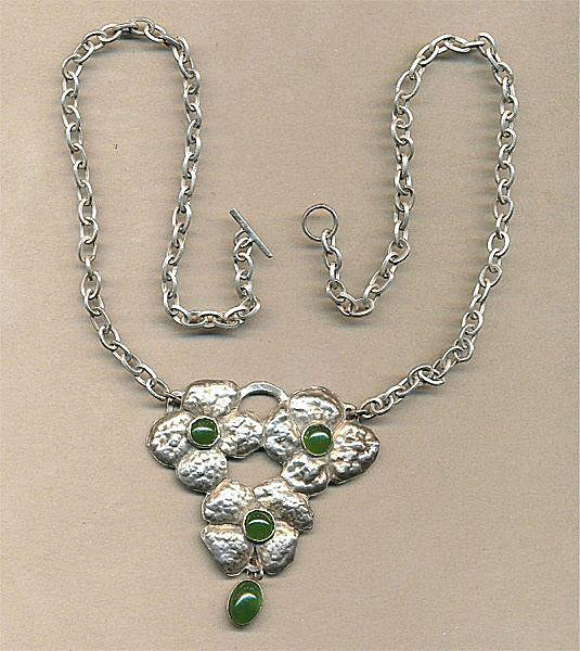 Vintage Hand-Hammered Sterling Silver & Jade Floral Necklace
