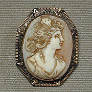 Antique Victorian 14K Gold Goddess Cameo Pendant Brooch