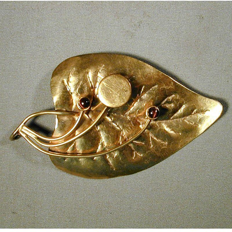 Huge & Fabulous Minimalist Goldplated Leaf Pin Brooch - Signed LILLO