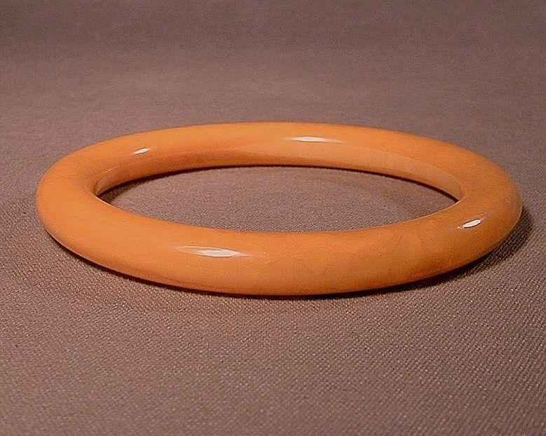 Swirling Whirling Vintage Yellow Bakelite Bangle Bracelet