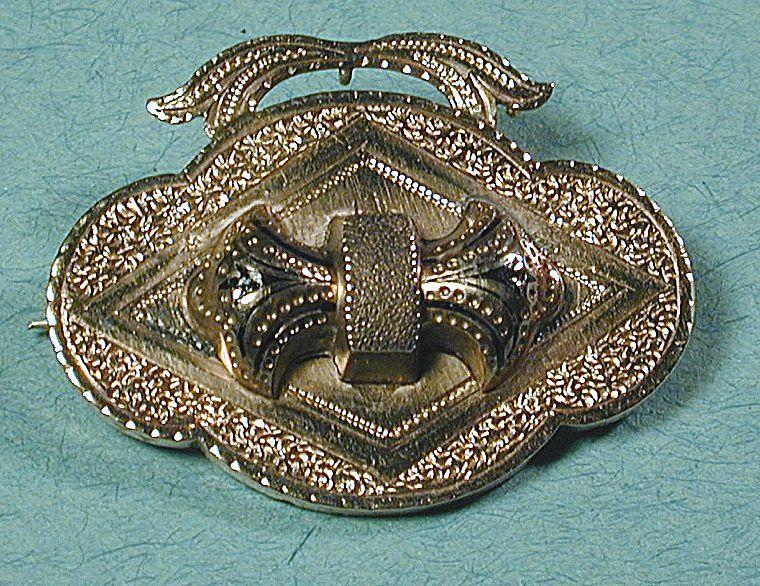 Victorian Antique Gilt Top Etched Pin Brooch Pendant