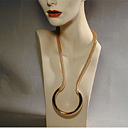 Vintage Goldtone Mesh Necklace With a Dip and a Twist