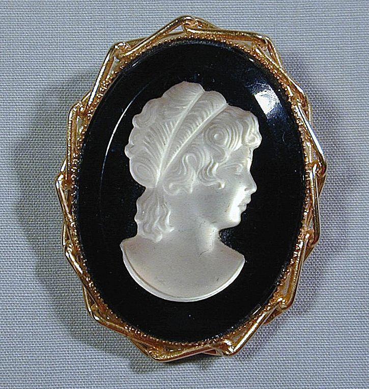 White Mother-of-Pearl on Black Pin / Pendant - 10K Gold Frame