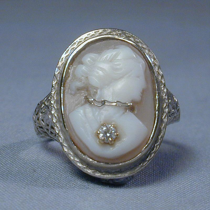 14K Gold Filigree Cameo En Habille Ring Art Deco Era 1920s