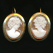 Vintage 18K Gold Carved Shell Cameo Earrings