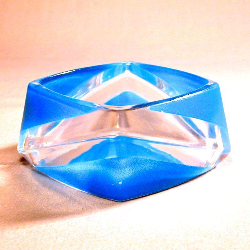Vintage 2-Color Lucite Bangle Bracelet - Mod Crazy Angles