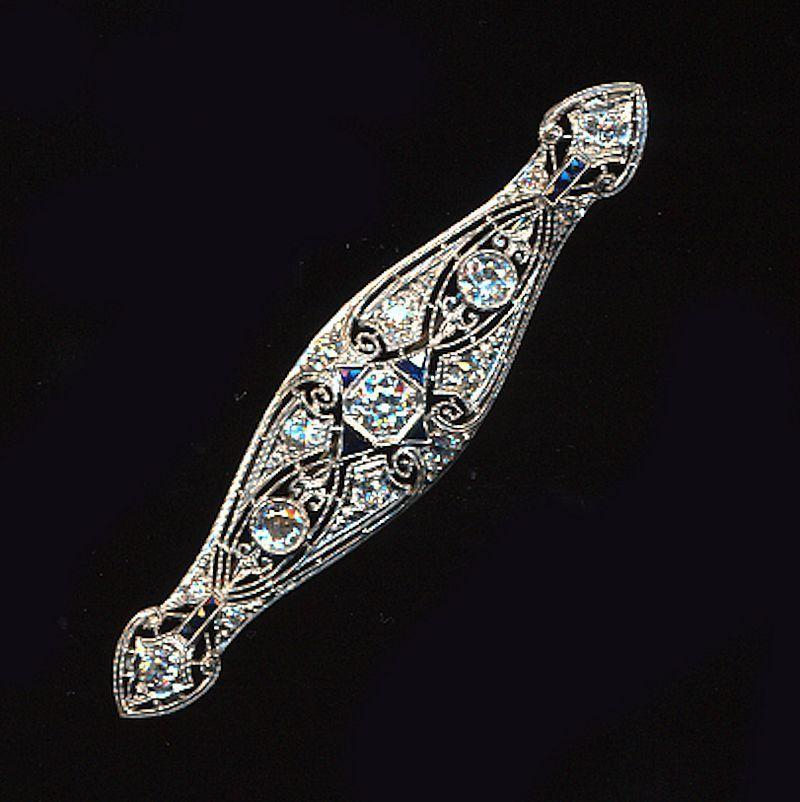 1920s Art Deco Platinum 2.38 ct. Diamond Sapphire Pin Brooch