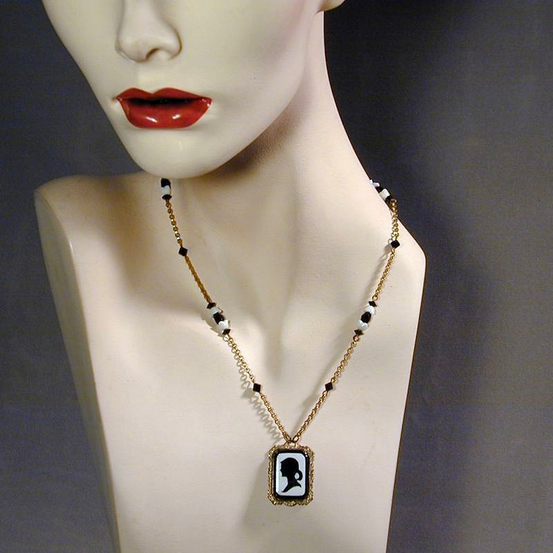 c1930s Czech Glass Black & White SILHOUETTE Cameo Pendant Necklace
