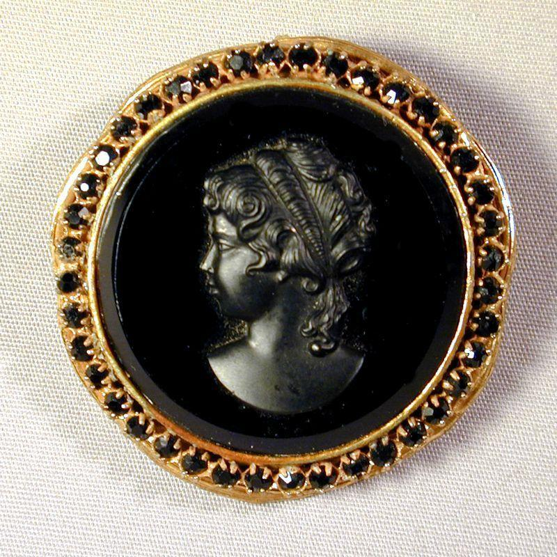 Signed ROBERT Big Black Glass Cameo Pin Pendant