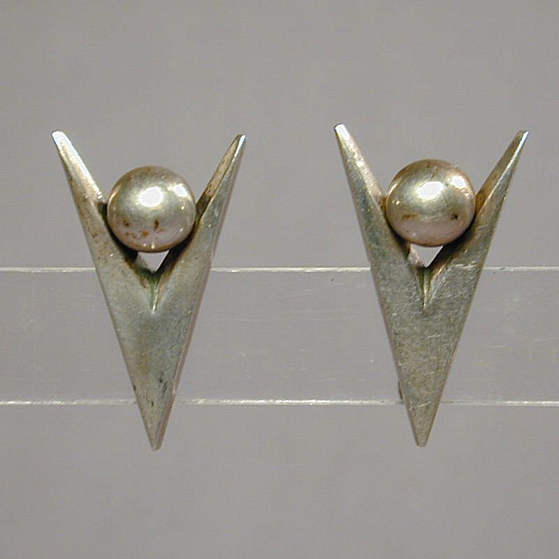 Signed Modernist Sterling Silver Earrings JANIYE