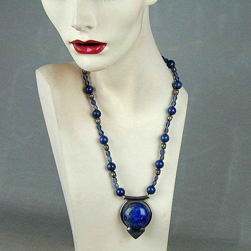 Superb Sterling Silver & Lapis Pendant Bead Necklace