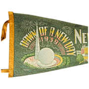 1939 New York World's Fair Felt Souvenir Pennant Art Deco