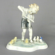 Vintage Kunst Porzellan Ilmenau Boy Plays Violin Figurine