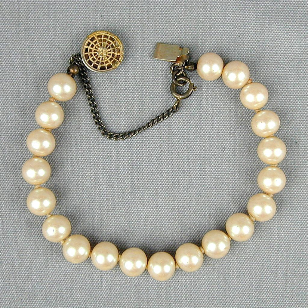 Vintage Miriam Haskell Pretty Faux Pearl Bracelet