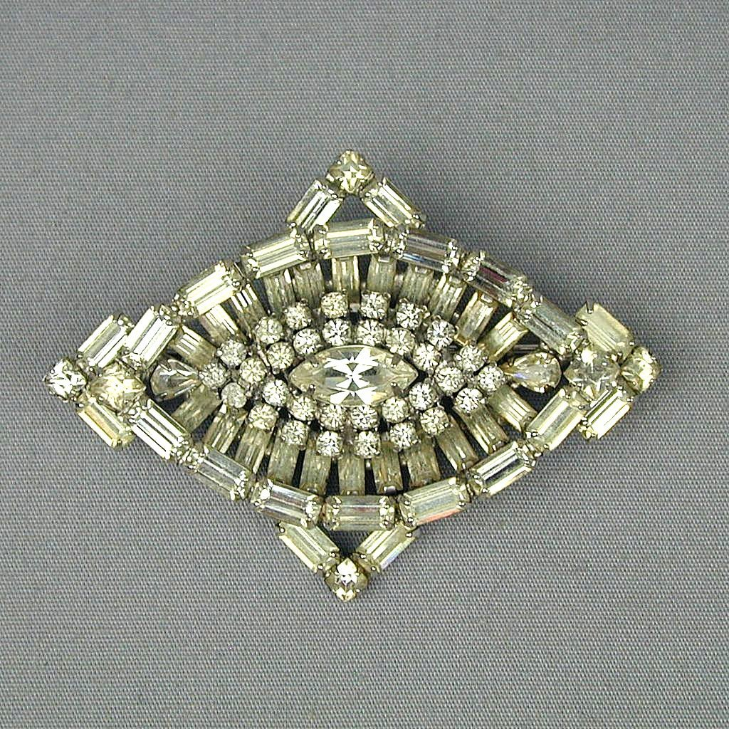 Signed KRAMER Faux Diamond Rhinestone Pin Brooch - Great One