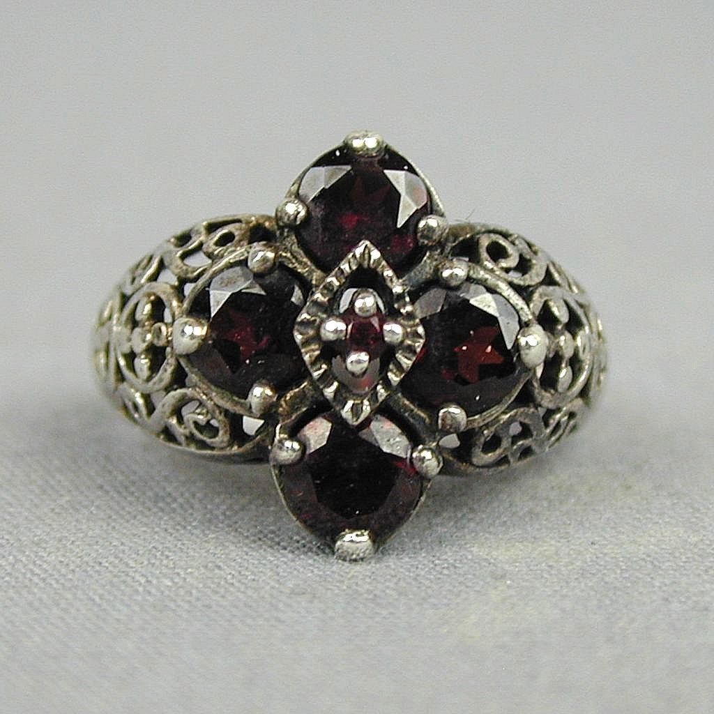 Vintage Sterling Silver Garnet Ring - Gorgeous Design