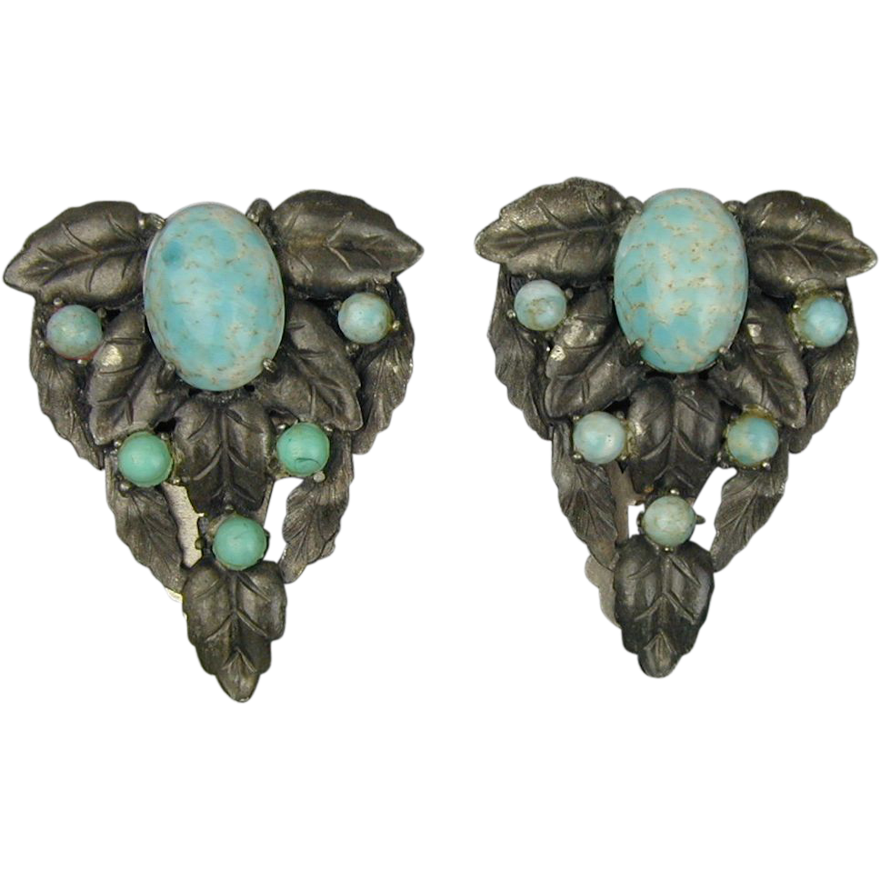 pair art deco era clips turquoise glass in silvertone leaves from greatvintagestuff on ruby lane. Black Bedroom Furniture Sets. Home Design Ideas