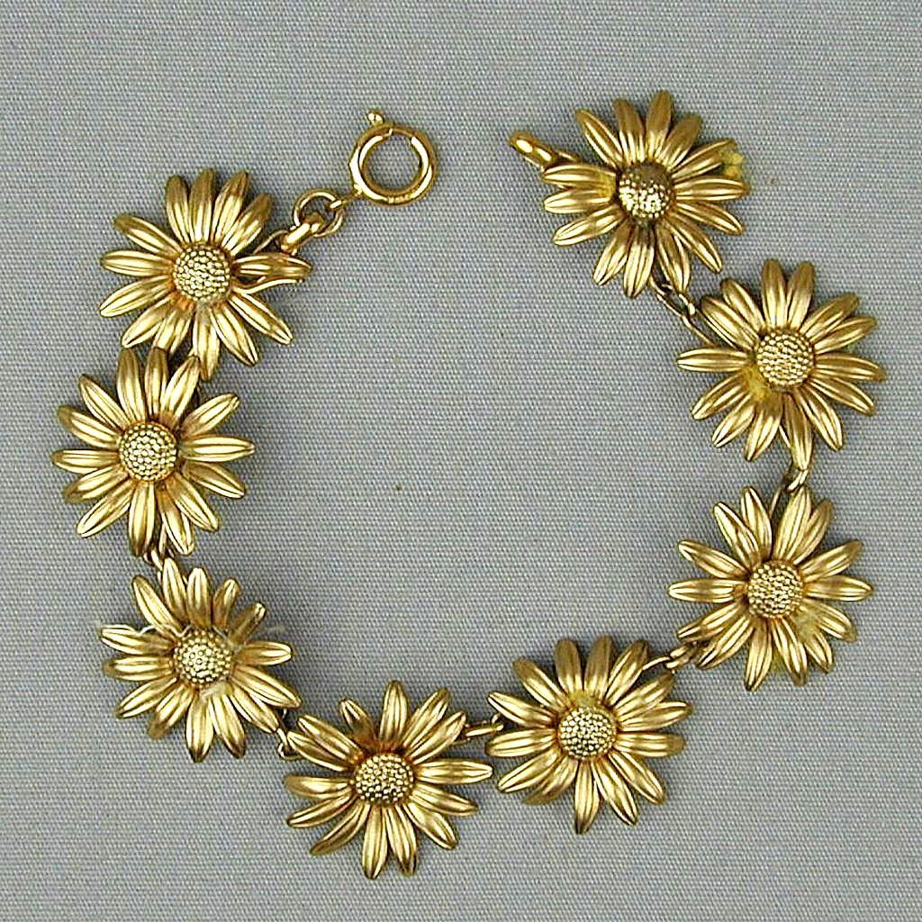 Vintage Gold-Filled Daisy Chain Bracelet - Figural Daisies All In A Row