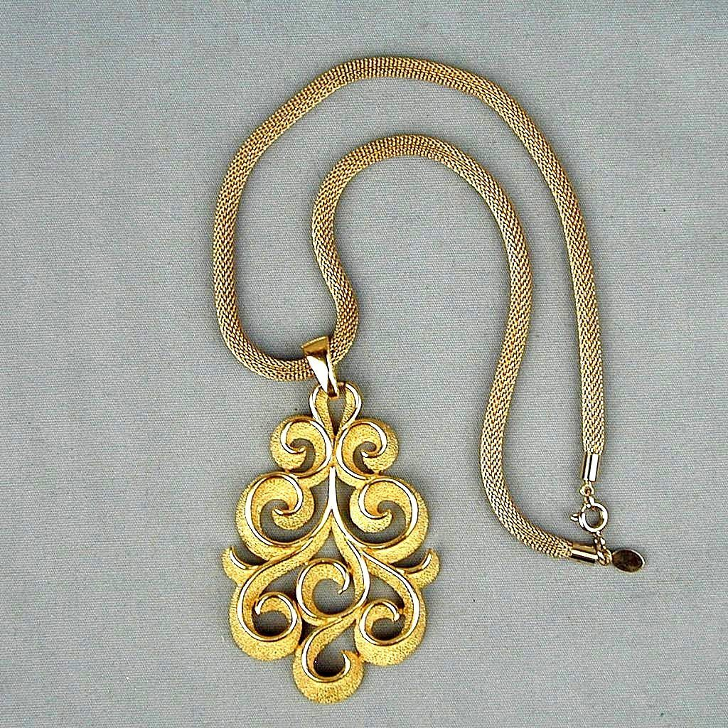 Vintage Crown Trifari Modernist Gold-Tone Pendant Necklace