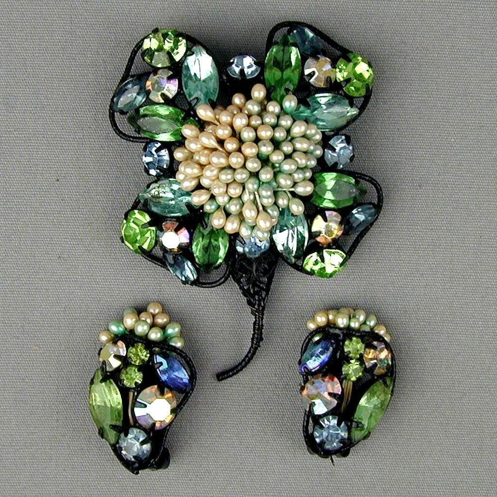 Vintage 1940s Rhinestone Flower Pin - Earrings Set - Amazing Work