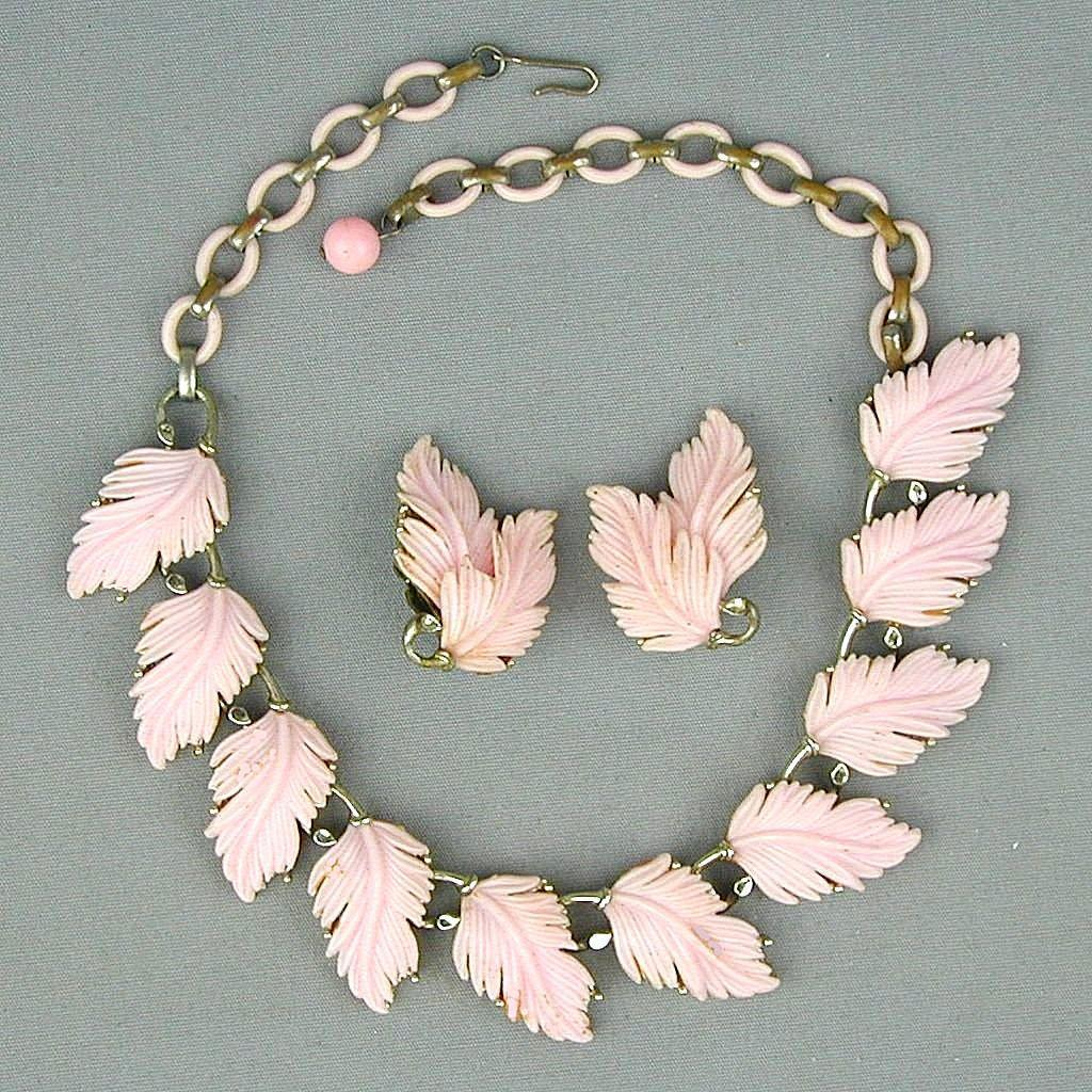Vintage Lisner Pink Plastic Feathery Leaf Necklace Earrings Set