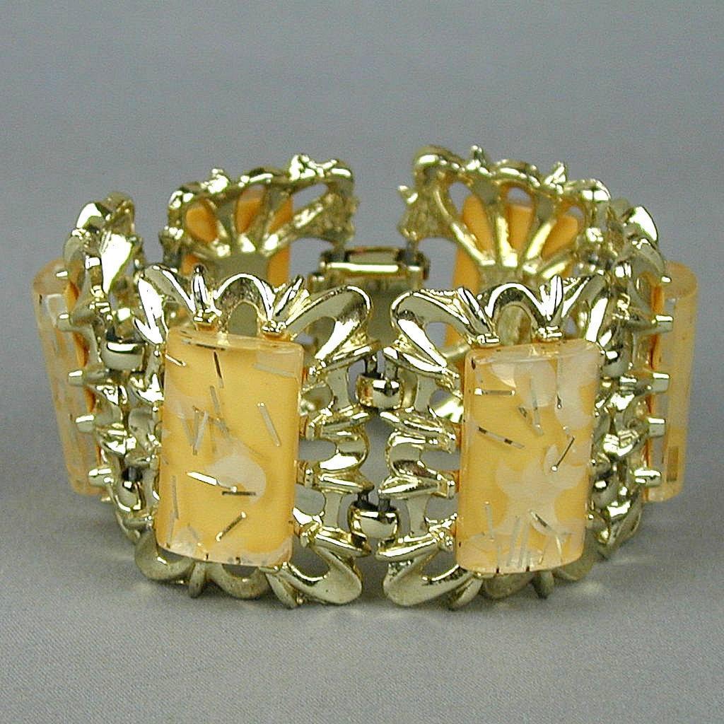 Vintage Big 1950s Confetti Lucite Link Bracelet