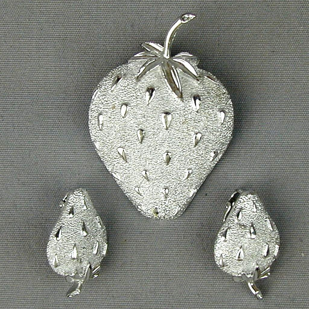 Vintage Sarah Cov Pin Earrings Set Silvery Strawberries