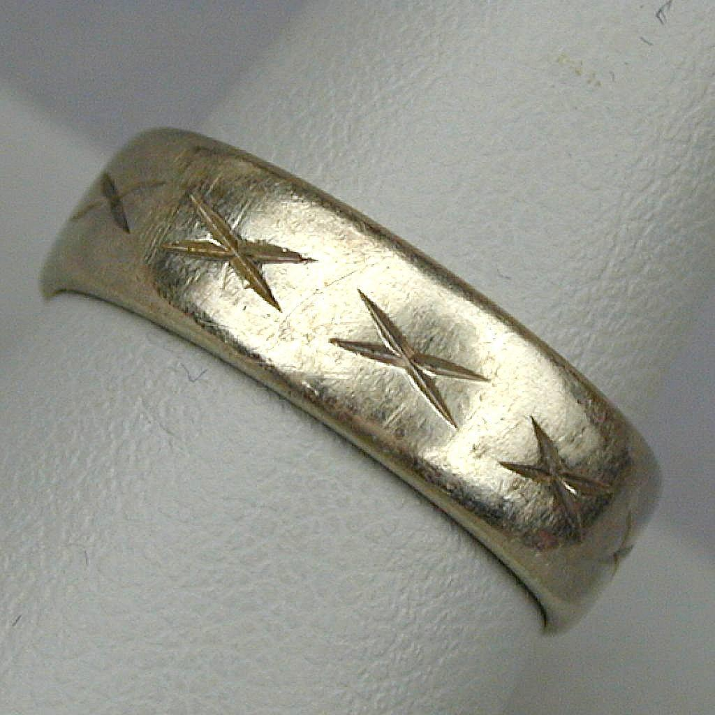 Vintage 14K White Gold Art Carved Ring Band