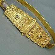 Vintage Accessocraft Gold-Tone Stretch Belt w/ Etruscan Metalwork Buckle