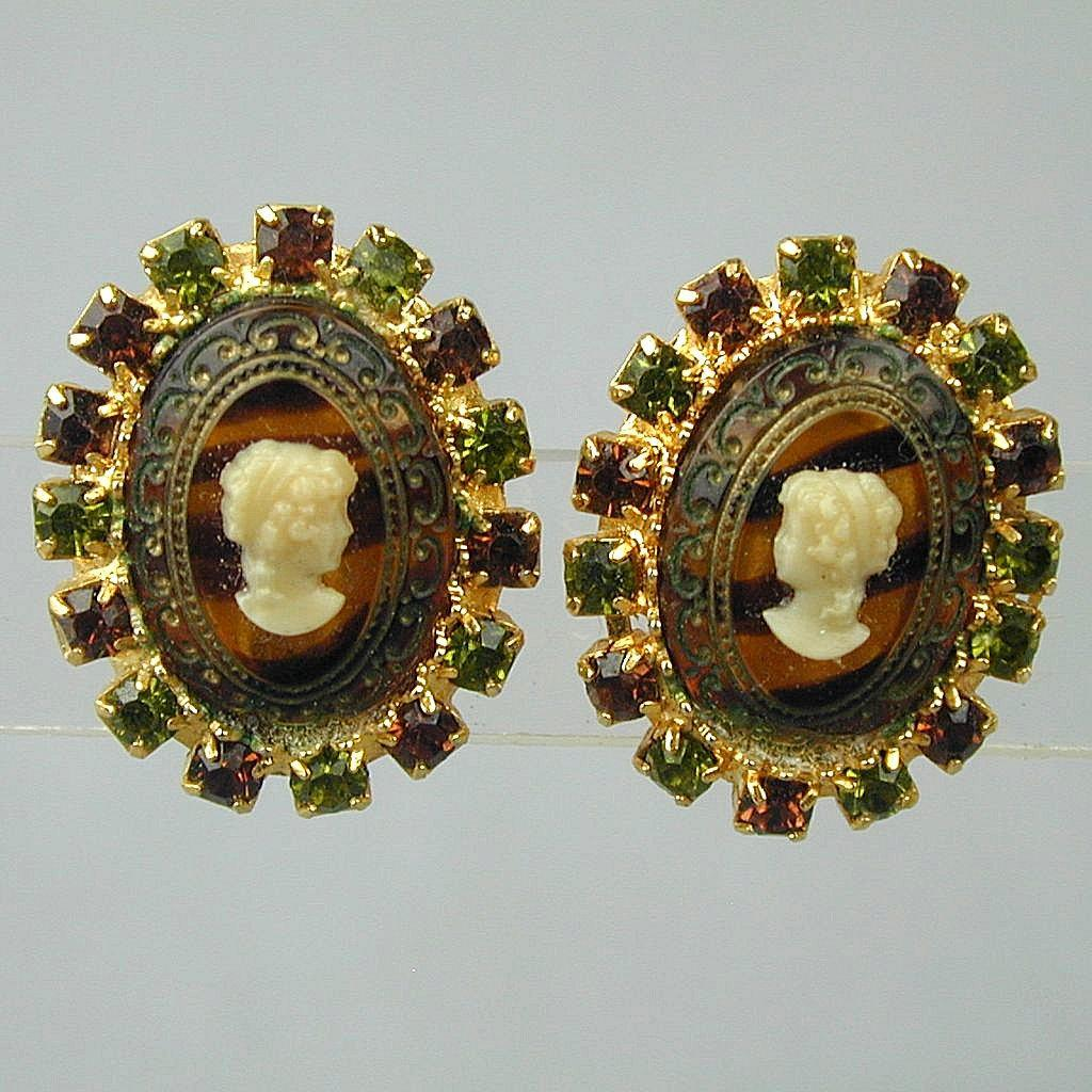 Vintage HOBE Glass Cameo Clip Earrings - Rhinestones
