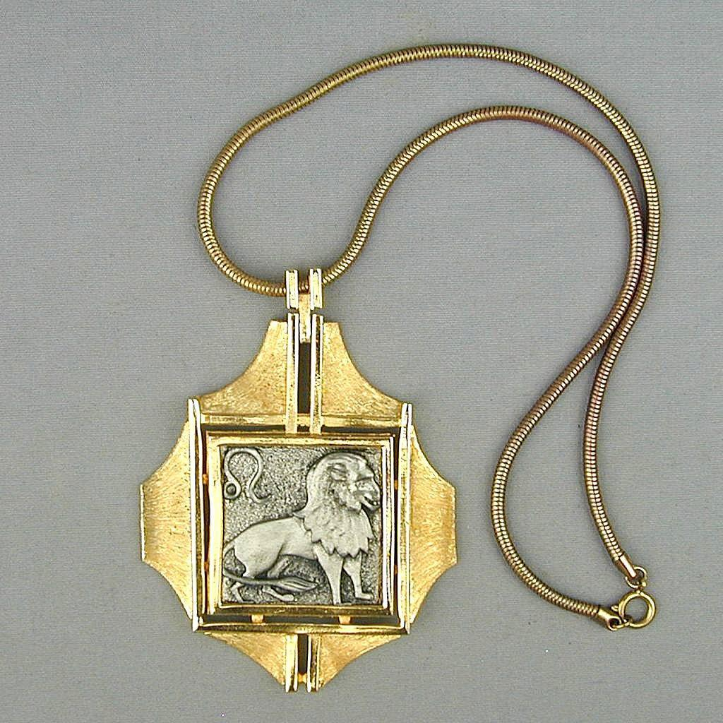 Bold Vintage RAZZA Lion Zodiac Pendant Necklace
