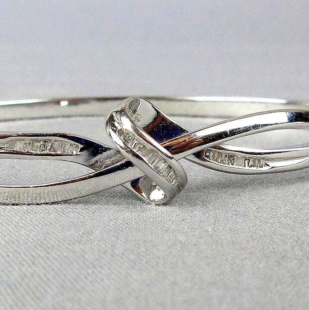 Vintage 925 Sterling Silver Bracelet Infinity Knot w/ Diamonds