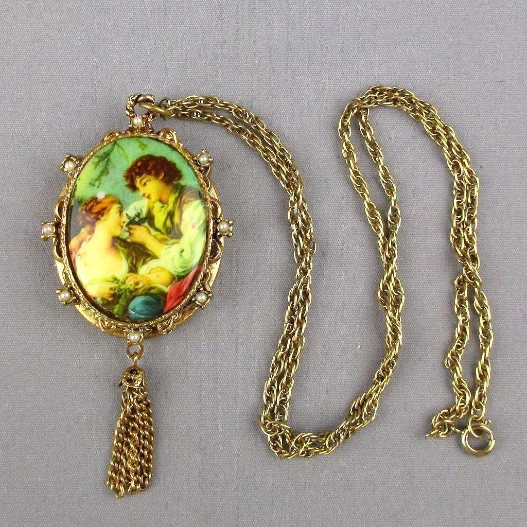 Vintage 1950s Large Romantic Locket Pendant Necklace