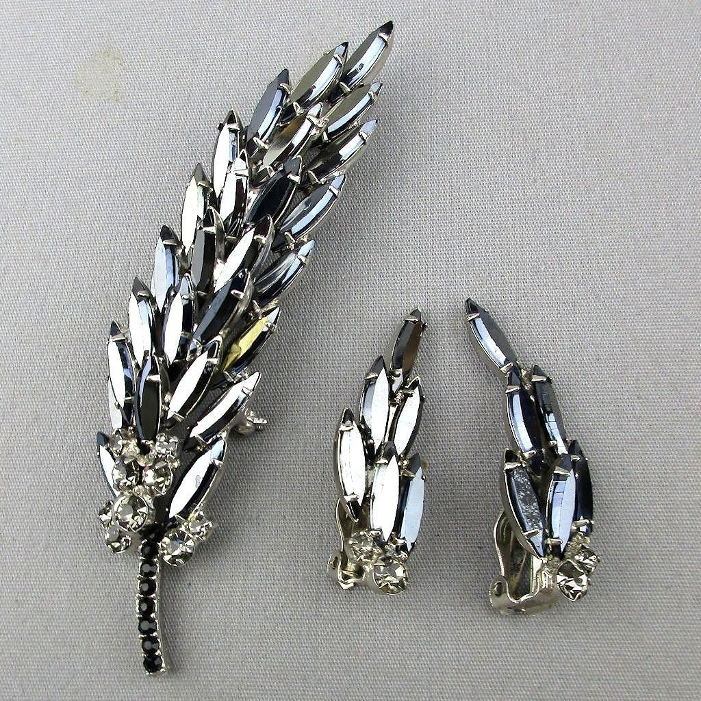 Vintage Stacked Black Rhinestone Leaf Pin w/ Clip Earrings Set