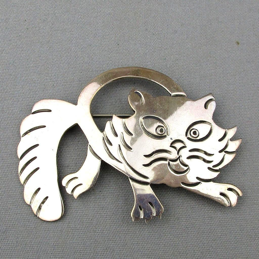Vintage Taxco Sterling Silver Scaredy Cat Pin