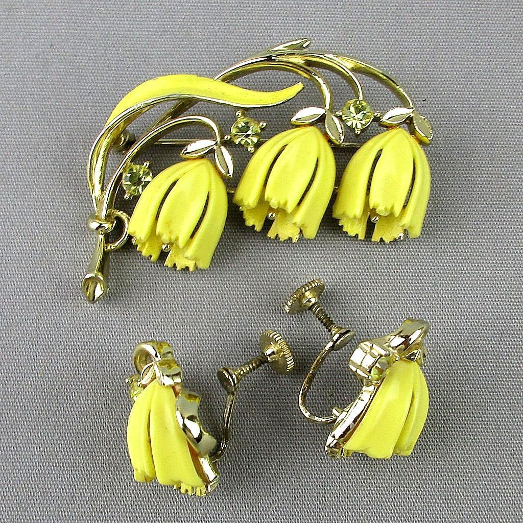 Vintage LISNER Hanging Bell Flowers Pin - Earrings Set