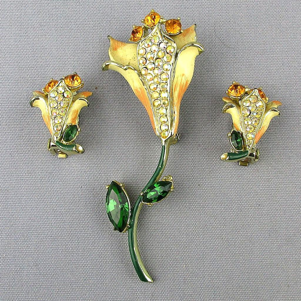 Vintage WEISS Crystal Rhinestone Flower Set Pin - Earrings - Enamel