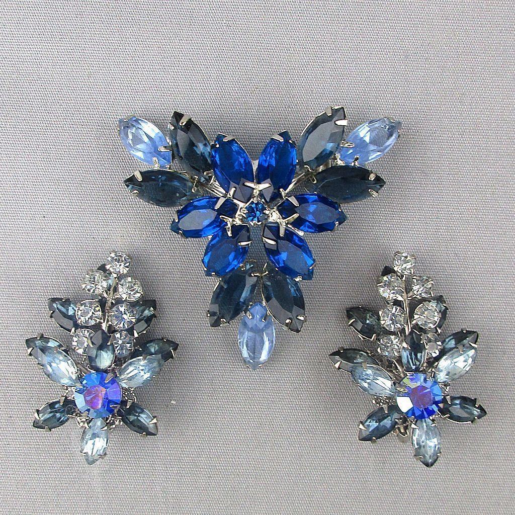 Vintage Blue Rhinestone Flower Cluster Pin Brooch / Earrings Set