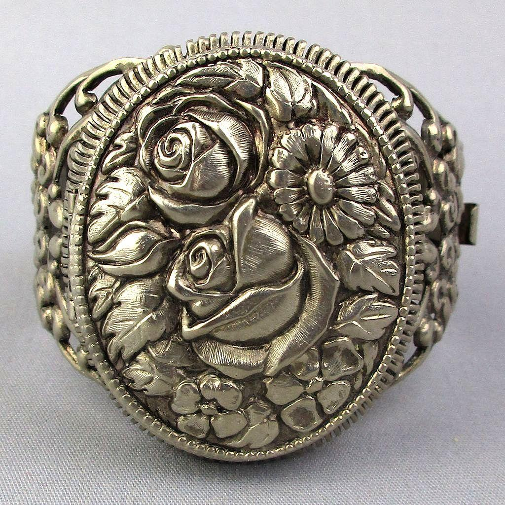 Vintage Big Hinged LOCKET Bracelet - A Floral Wonder