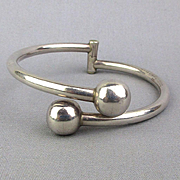 Vintage Mexican Sterling Silver Crossover Balls Bracelet Hinged