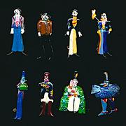 Vintage 1968 BEATLES Yellow Sub - 8 Figural Pin Set Pins