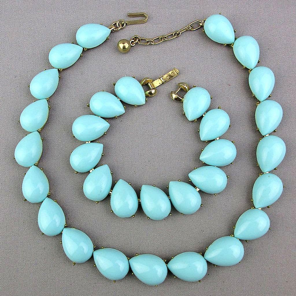 Vintage TRIFARI Necklace Bracelet Set - Turquoise Blue Glass Cabs