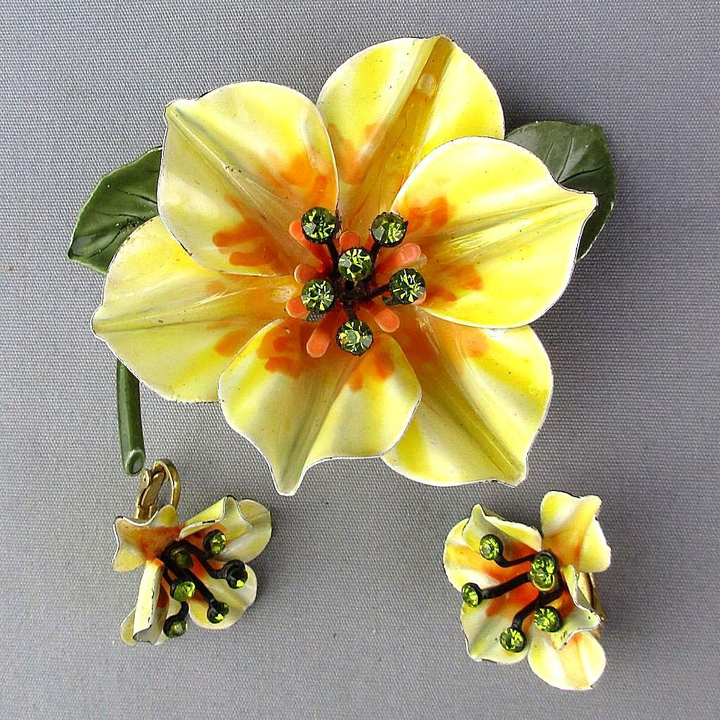 Great Big Enamel Flower Pin Set w/ Earrings Rhinestones