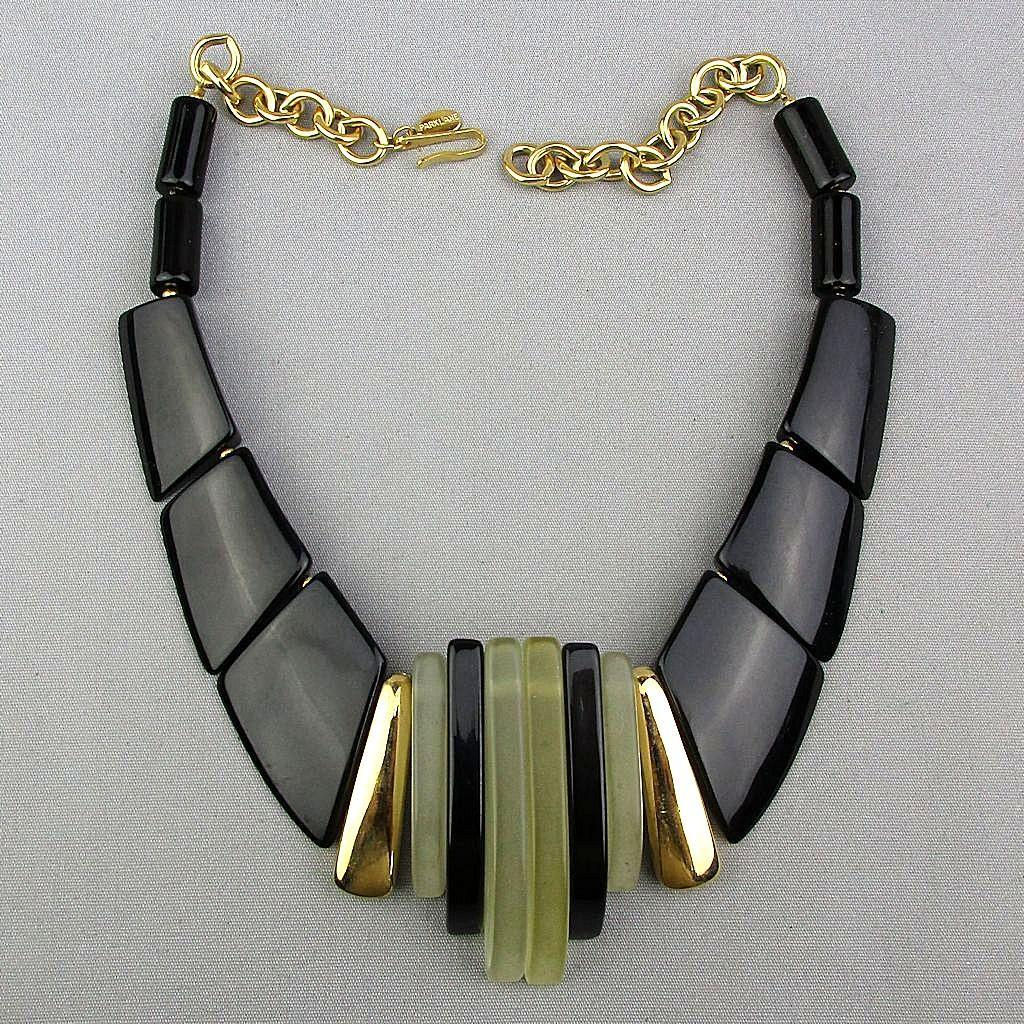 Signed Parklane Lucite - Lacquer Modernist Necklace