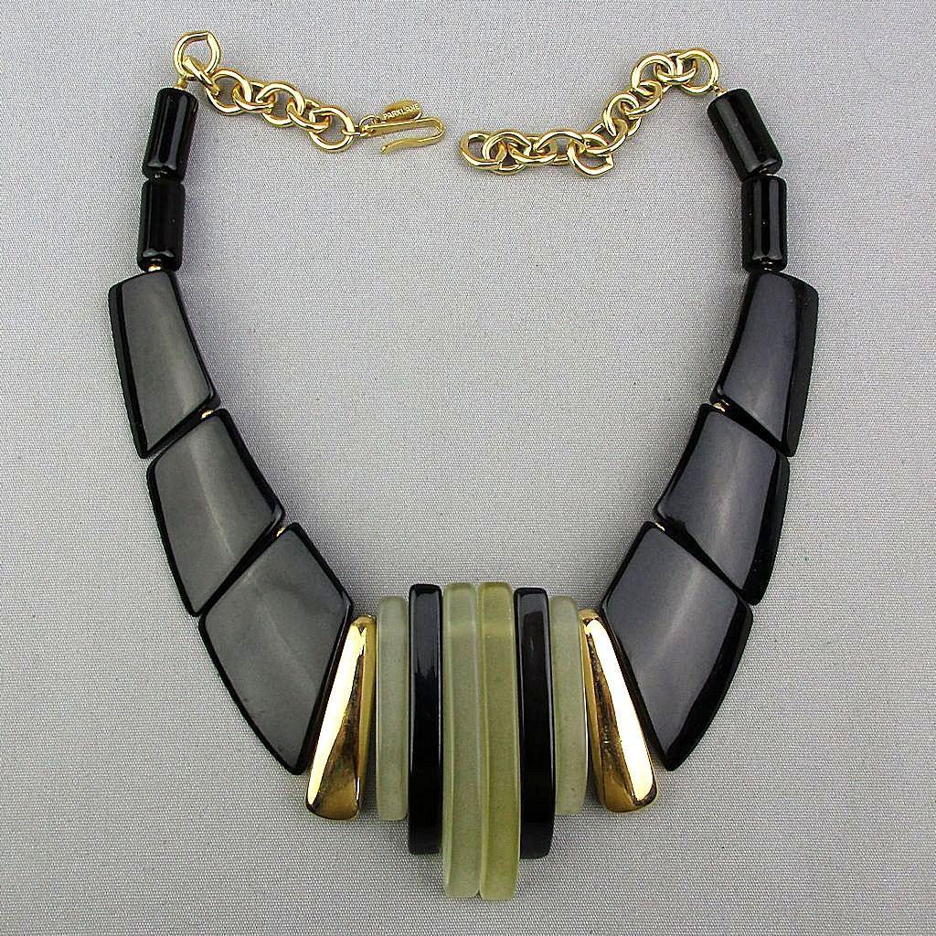 Signed Parklane Lucite - Lacquer Modernist Necklace