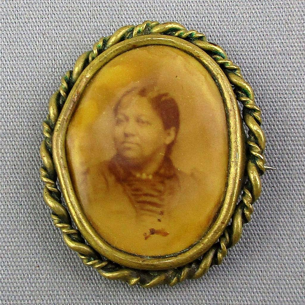 Old Victorian Photo Portrait Pin - Rare Woman of Color Cello Pin