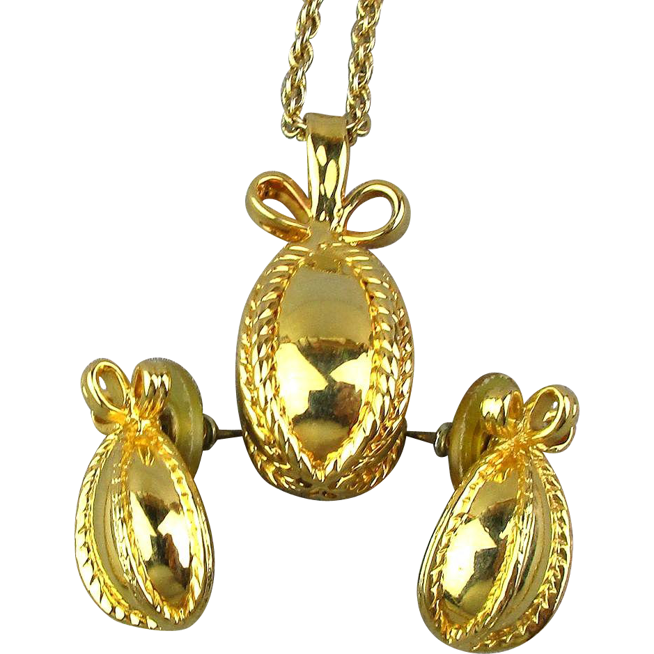 Vintage joan rivers gilded pendant necklace earrings set for Joan rivers jewelry necklaces