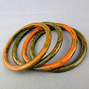 Set 4 Bakelite Bangle Bracelets Marbled Orange / Green