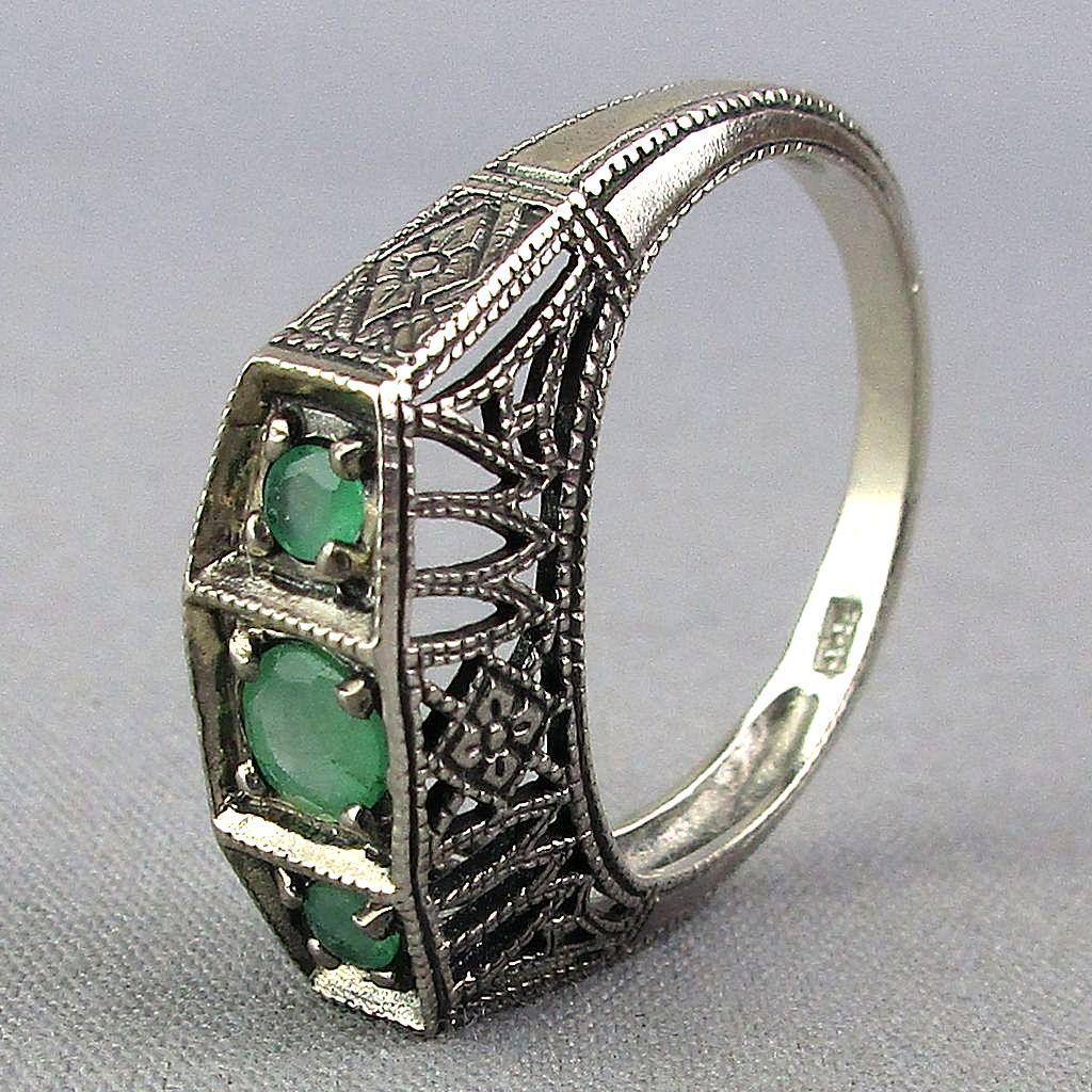 Vintage Sterling Silver Filigree Ring w/ Peridot Trio
